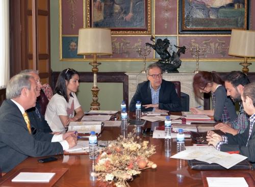 Reunión de RSU con la organización de FENAVIN