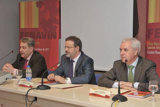 De izqda. a dcha. Martín-Zarco, De Lara y Sánchez Bódalo