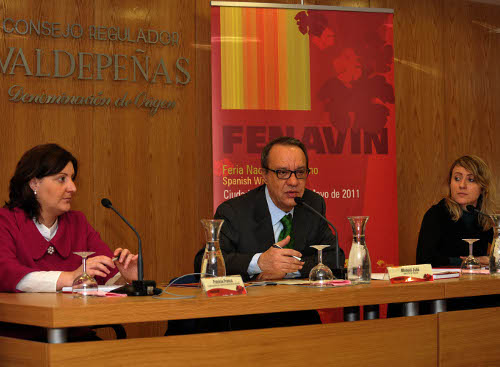 De izqda. a dcha. Patricia Franco, Manuel Juliá y Valeria Riva