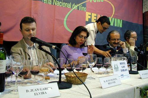 Los ponentes participaron en la cata comentada